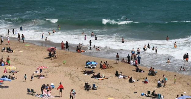 """Millet sahillere yığıldı; Belediye başkanından çağrı, """"Başka yere gidin"""""""