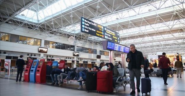 Reuters: Ucuz Türk Lirası ve karantinasız seyahat, Arap turisti Türkiye'ye çekiyor