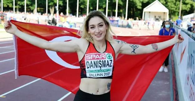 Türk sporcu Tuğba Danışmaz, üç adım atlamada rekorla Avrupa şampiyonu oldu