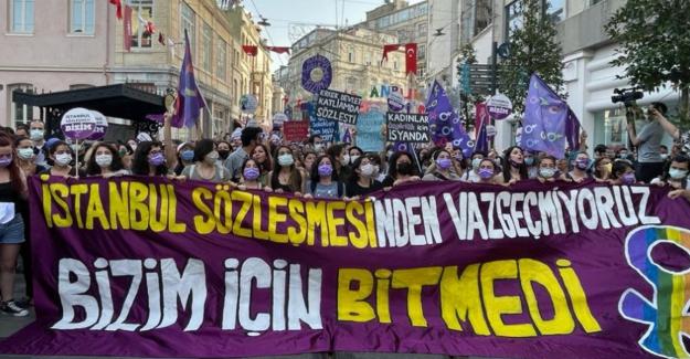 Türkiye'nin İstanbul Sözleşmesi'nden resmi olarak çıktığı 1 Temmuz'da kadınlar sokaklarda: Bizim için bitmedi