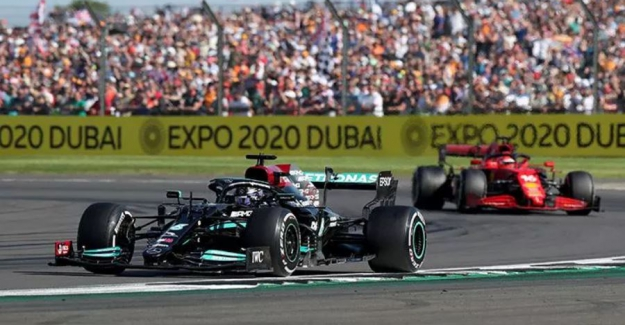 Verstappen'e kaza yaptırıp ceza alan Hamilton yarışı kazandı
