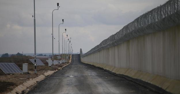 Kaçak geçişleri önlemek için sınıra 1040 kilometre duvar örüldü, 150 kilometre daha örülüyor