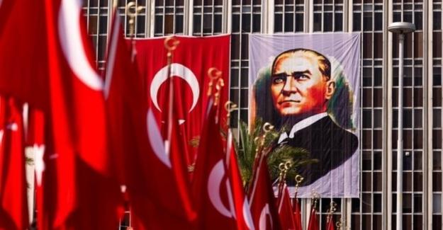 9 Eylül İzmir'in Yunan İşgalinden Kurtuluşunun 99. Yıl Dönümü Kutlu Olsun!..