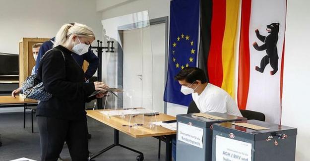 Almanya seçimlerinde 18 Türk asıllı aday milletvekili seçildi