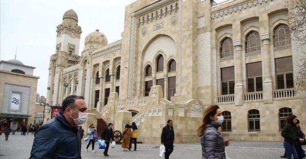 Azerbaycan'da yeniden yüz yüze eğitim başlıyor