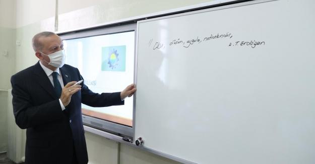 """Erdoğan: """"Yüz yüze eğitimi devam ettirmekte kararlıyız"""""""
