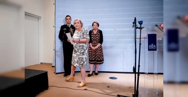 Hollanda'da Afganistan krizi: Dışişleri Bakanı Kaag'ın ardından Savunma Bakanı Bijleveld de istifa etti