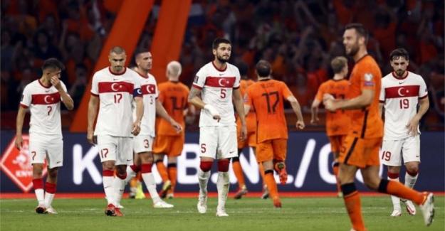 Katar 2022 elemeleri: Türkiye Hollanda'ya 6-1 yenildi, grupta üçüncülüğe geriledi