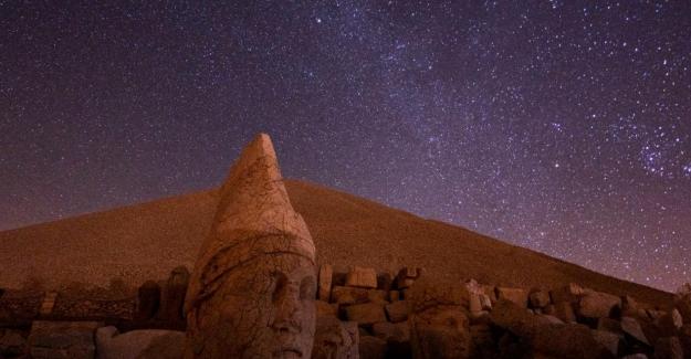 Nemrut Dağı Milli Parkı'nda gece-gündüz… Tarihi eserler, zamana meydan okuyor, etkilemeyi sürdürüyor