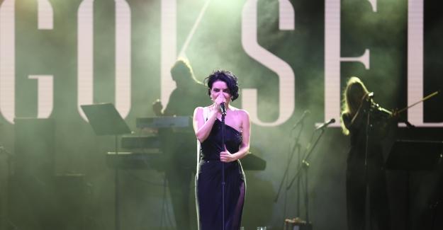 Nilüfer +1 Güz Konserleri'nde müzik keyfi
