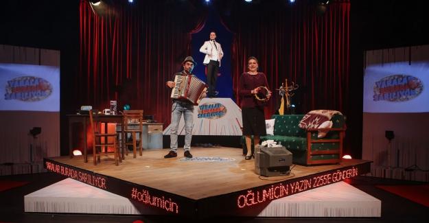 """Nilüfer Kent Tiyatrosu """"Kuş Öpücüğü"""" ile sahnede"""