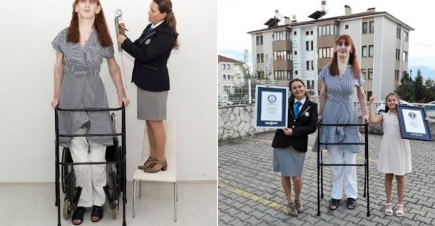 Rumeysa Gelgi, 'Dünyanın en uzun boylu kadını' olarak Guinness Rekorlar Kitabı'na girdi