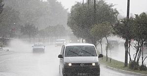 Adana'da sıcaklara yağmur molası