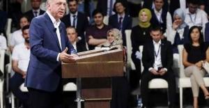 Erdoğan, sosyal medya özel yayınında gençlerin sorularını cevapladı