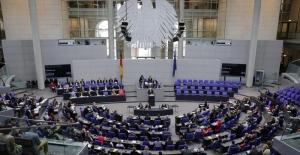 Alman siyasiler Türkiye'ye yardımı tartışıyor