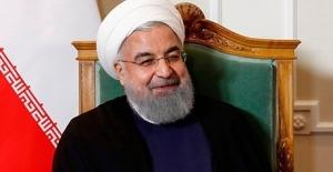 """İran Cumhurbaşkanı Ruhani: """"ABD'nin yaptırımları devam ederken müzakereler anlamsız"""""""