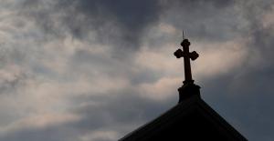 """Pensilvanya'da skandal: """"Yüzlerce katolik rahip, binlerce çocuğu istismar etti !.."""""""