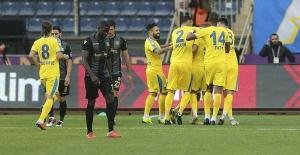 MKE Ankaragücü, sahasında Evkur Yeni Malatyaspor'u 1-0 yendi