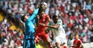 Spor Toto Süper Lig'in 7.hafta karşılaşmasında; Sivasspor 2-0 Bursaspor