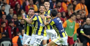 Dev derbi olaylı bitti; Galatasaray: 2 - Fenerbahçe: 2