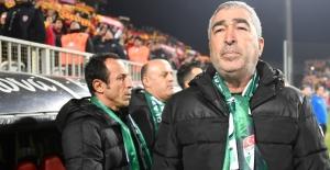 Bursaspor Teknik Direktörü Samet Aybaba;  ''Bu Takım Gelişecek''