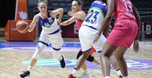 Büyükşehir Belediyespor, deplasmanda Urla Belediyesi'ni 69-62 mağlup etti
