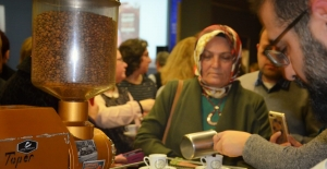 Müzede 'Fincanını getir kahve bizden'  keyfi