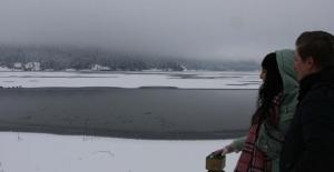 Abant Gölü buz tuttu..