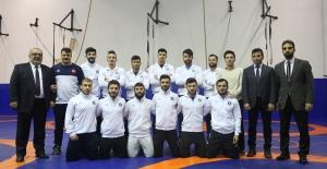Bursa Güreşçileri Türkiye Şampiyonası'nda ter dökecekler