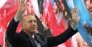 """Cumhurbaşkanı Erdoğan: """"3-5 oy daha fazla alabilmek için hiçbir zaman popülizm bataklığına saplanmadık"""""""