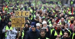 """Fransa Cumhurbaşkanı Macron'dan """"Ulusal Müzakere"""" girişimi"""