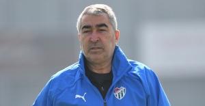 Bursaspor Teknik Direktörü Samet Aybaba: 'Tekrar dönüş için bir başlangıç lazım'