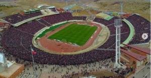 Maçına 100 bin kişi gelen Türk takımı tarihe geçti