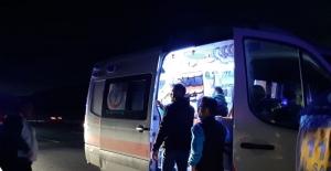 Bursaspor taraftarlarını taşıyan minibüs tırla çarpıştı: 7 yaralı