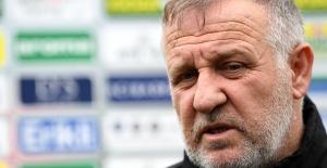 """Bursaspor Teknik Direktörü Mesut Bakkal: """"Biz şampiyon bir takımız ve daha fazlasını istiyoruz"""""""