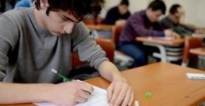 """Eğitimcilerden yeni eğitim sistemine tepki: """"Belirsiz ve Eksik"""""""