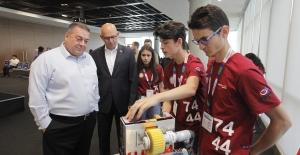 Öğrencilerin geliştirdiği yarış aracı ve robotlar Bosch'da