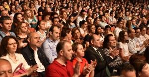 """Dünyaya barışı haykıran """"Bursa Festivali"""" başladı"""