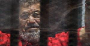 Mursi'nin cenazesi sabaha karşı Kahire'de defnedildi