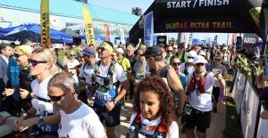 12 ülkeden yaklaşık 1000 maratoncu, Uludağ Ultra Maratonu'nda buluştu.