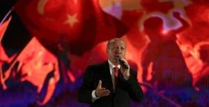 """Erdoğan: """"15 Temmuz'dan sonra hiç kimse milletin iradesine el uzatmayı aklından geçiremeyecektir"""""""