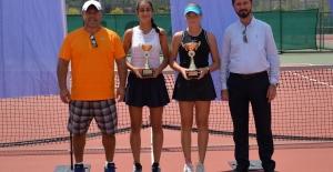 Tenis Yaz Kupası sahiplerini buldu