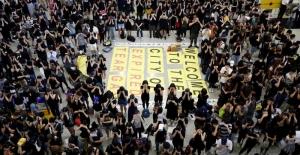 Hong Kong'da tansiyon tırmanıyor