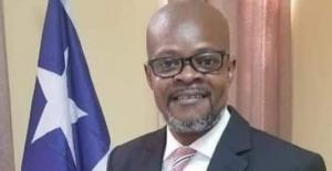 Liberyalı senatör, memur aylığından 120 kat fazla olan maaşının çoğunu halka dağıtacak