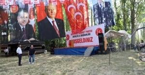 MHP Etkinliklerinde Cumhurbaşkanı Erdoğa'ın posterleri de yer almaya başladı