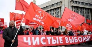 Moskova'da özgür seçimler için protestolar sürüyor