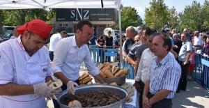 Bursa İnegöl Köfte Festivali'nde 1,5 ton köfte ikram edildi