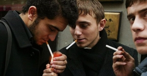 Sigara yasağı: 1940'lardaki çakmak yasağından, 2019'da sürücülere cezaya..