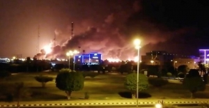 Suudi Arabistan'da iki büyük petrol tesisine silahlı drone ile saldırıyı Husiler üstlendi
