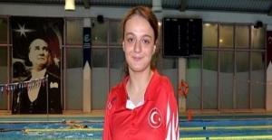 """Sümeyye Boyacı """"Dünya Paralimpik Yüzme Şampiyonası""""nda dünya ikincisi oldu!"""